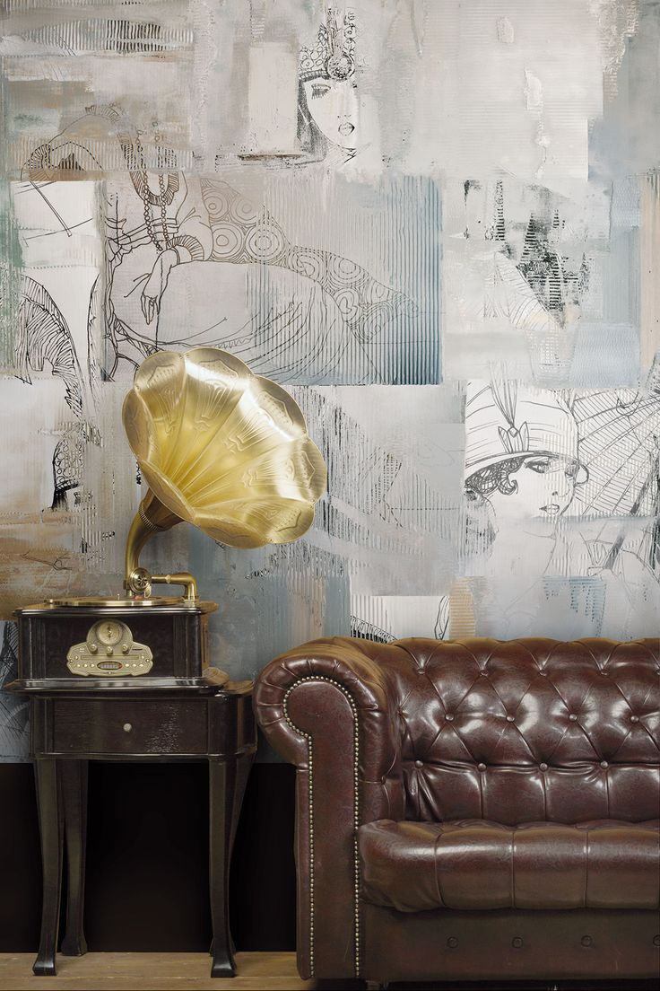 Ladies profiles and materic effects in this charming wallpaper. Perfectly matches with Charleston leather sofa and retrò furniture. #wallpaper #livingroomideas