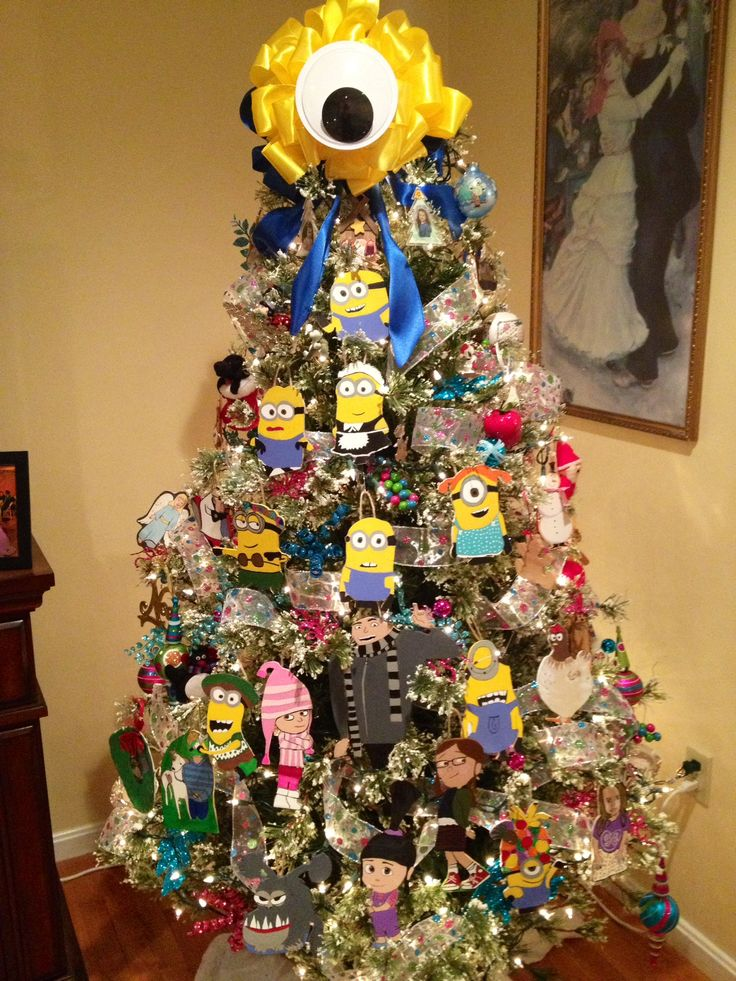 Minion Christmas Tree Complete With Gru His Daughters