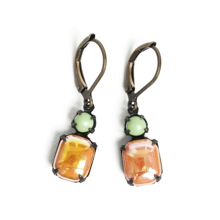 Vintage glass stones and goldplated earwire