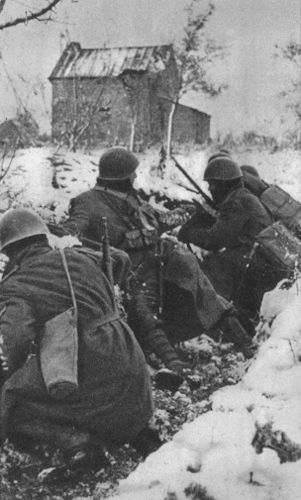 Trench on the Eastern front. CSIR or ARMIR troops.