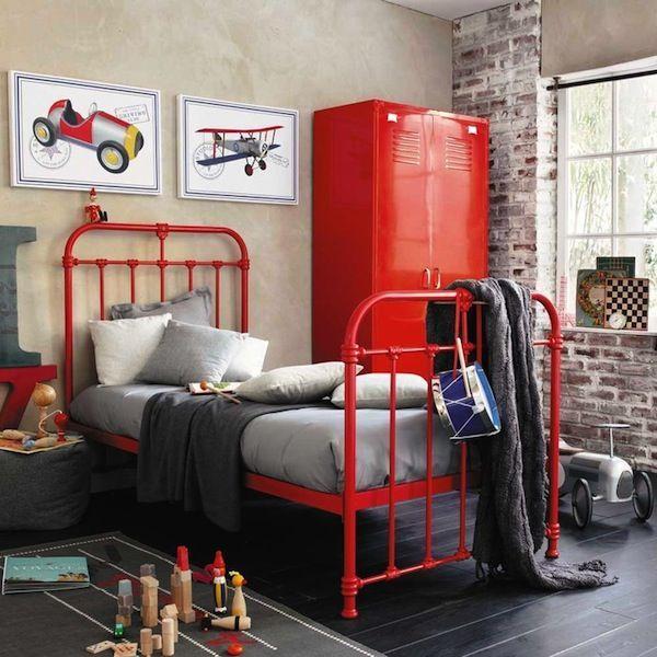 Fotos de quartos juvenis decorados em vermelho