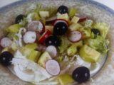 Receta ensalada de rábanos con manzana ajo y aceitunas negras