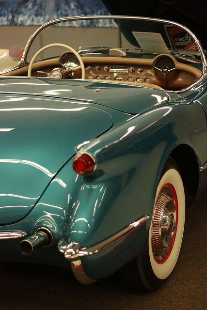 1954 Chevrolet Corvette.Love the color combo.
