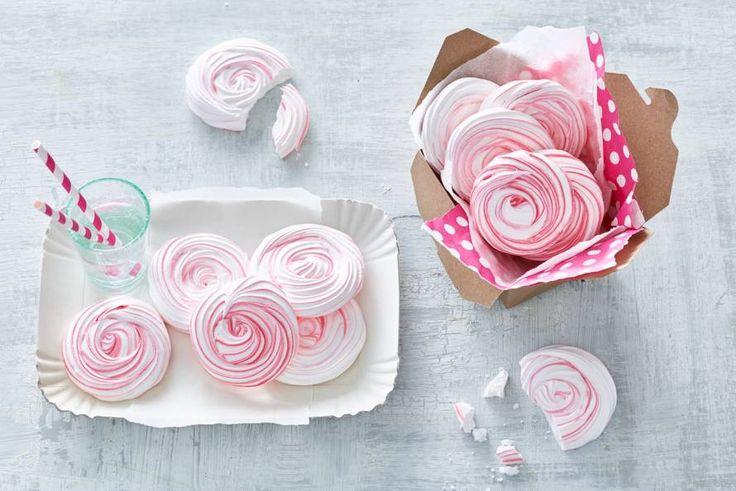 Heerlijk zoete roosjes voor op een taart, in een ijstoetje of gewoon om zo op te eten bij de koffie of thee - Recept - Allerhande