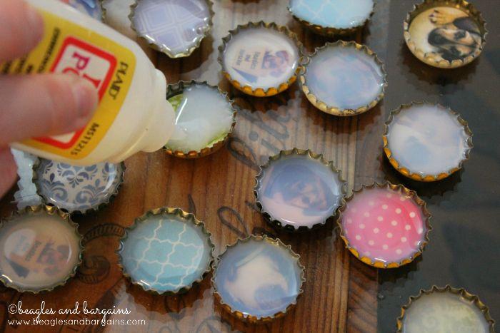 DIY Bottle Cap Magnets. Put your favorite pattern or picture (of your pets) inside! #beaglesandbargains