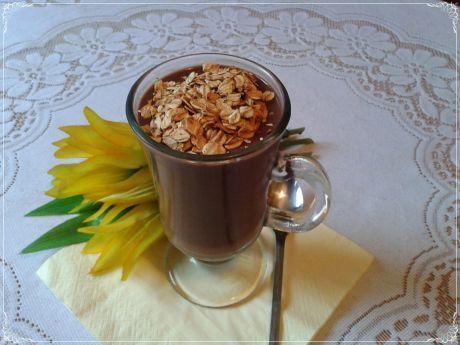 Deser czekoladowy w wersji light. Jeśli jesteś na diecie, możesz pozwolić sobie na ten deser!