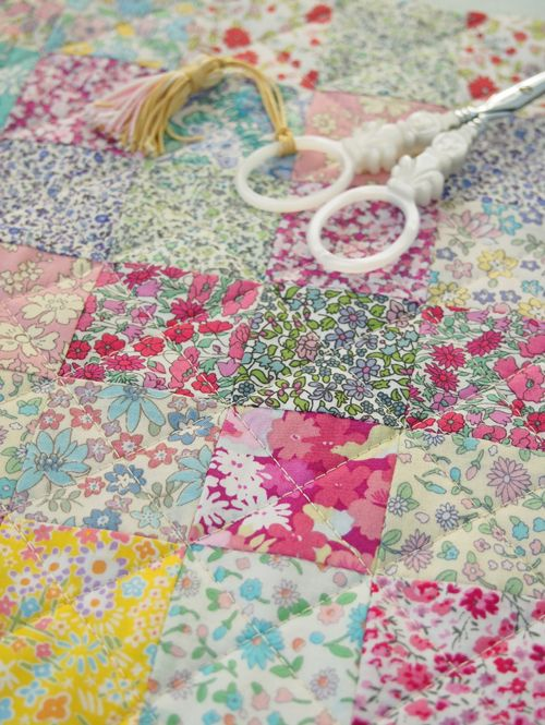 Mini squares quilting - Pretty by Hand - Pretty By Hand - liberty lawn and lookalikes