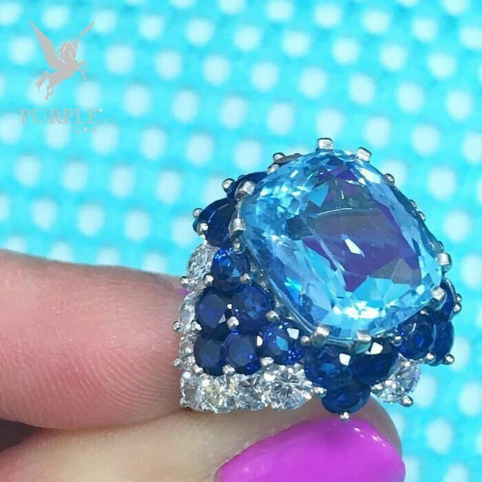What a beautiful piece of work. This cocktail ring via @jewelsdujour…