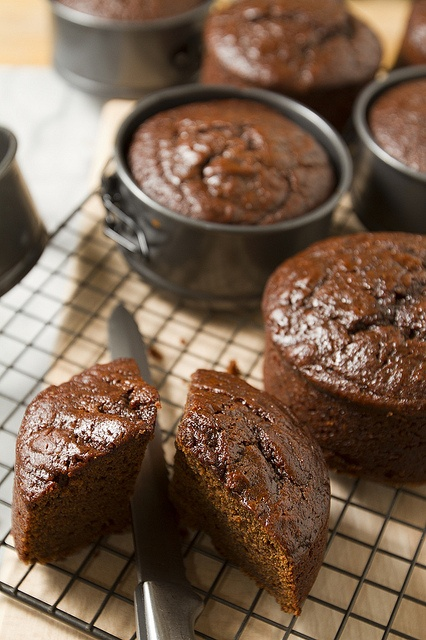 Rich dark fruit cakes, in a new mini format!     Let get some ideas for tonight dinner, what do you think about this?