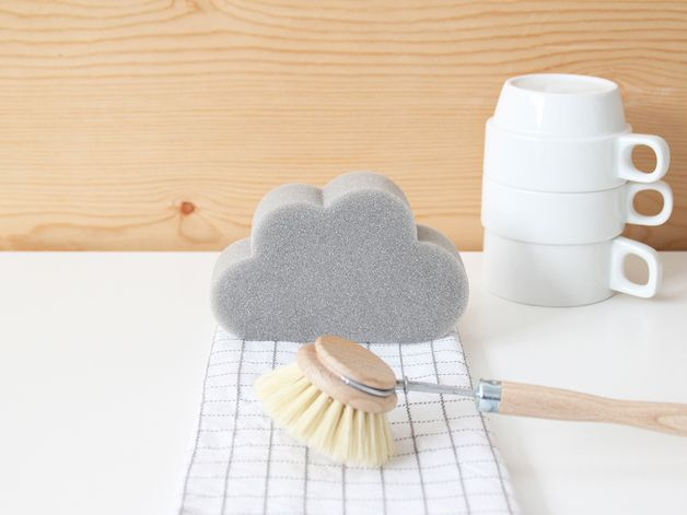 *Let it rain, let it rain, let it rain…* With the SNUG.RAIN sponge cleaning your dishes is finally a pleasure! This grey kitchen sponge in the shape of a cloud is perfectly suitable to clean your...