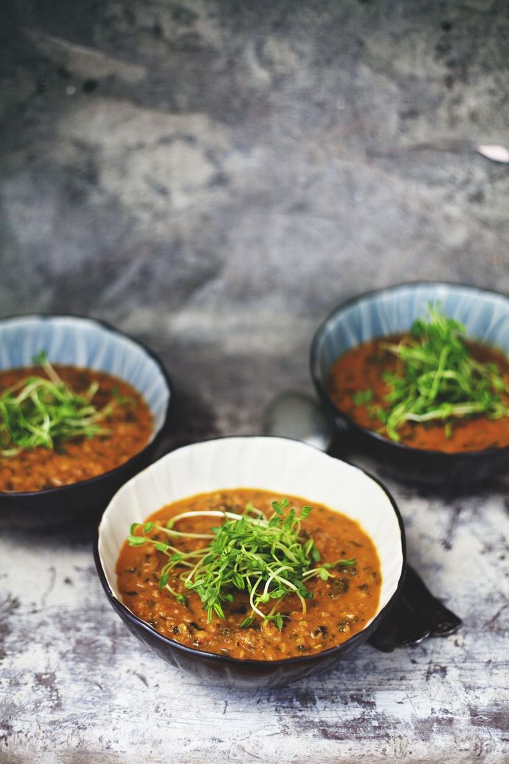 Ett av mina mest populära recept från kokboken Det gröna skafferiet är receptet på den indiska grytan daal. Grytan är härligt höstigt mustig med mycket kryddor och smak, matig och mättande...