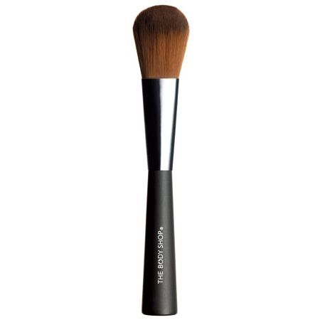 An indispensable, soft-bristle makeup brush that is just the right size for applying blushers and bronzers.