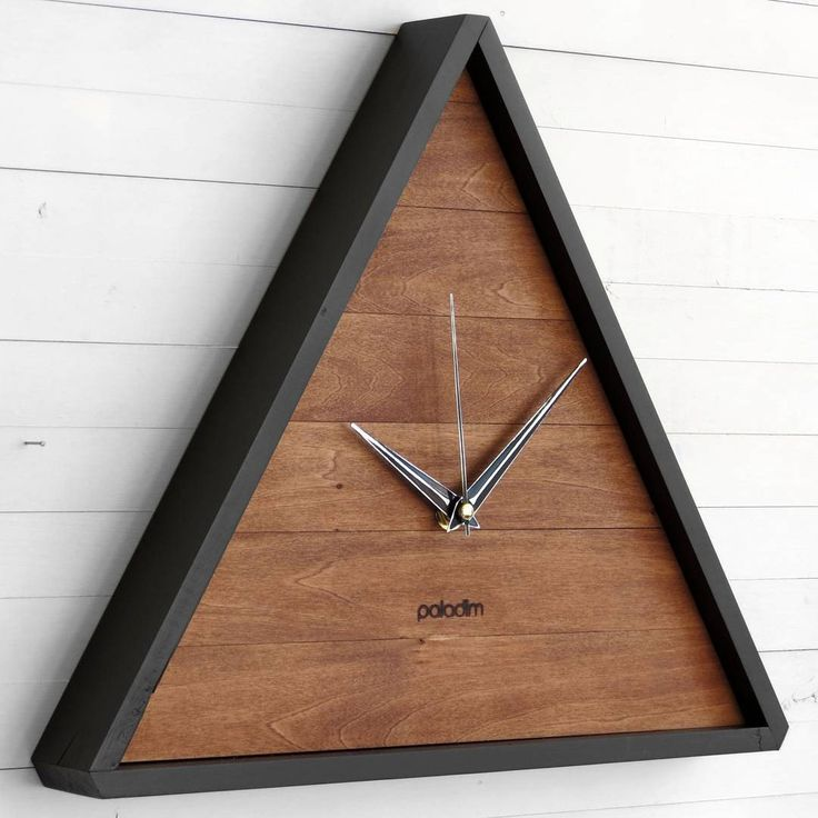 "The ""Trik"" wall clock now available with black border"