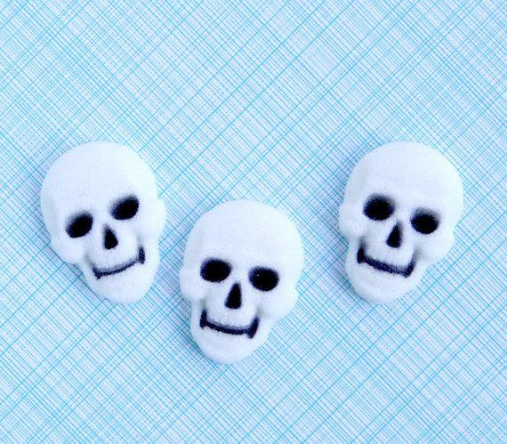 Skull Edible Sugar Decorations Skull Cupcake by sweetestelle