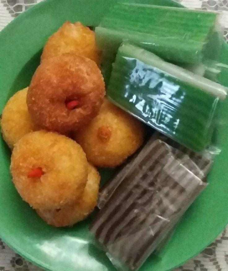Fried Potato and Sago Cakes