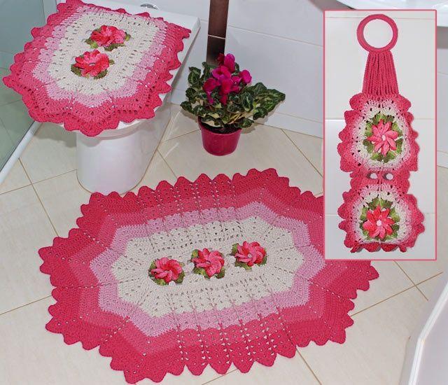 Jogo de banheiro flor Catavento nas cores: Branco lilás e pink  Preço: R$140,00 Feito sobre encomenda.Maiores informações pelo email:effiaanjo@gmail.com