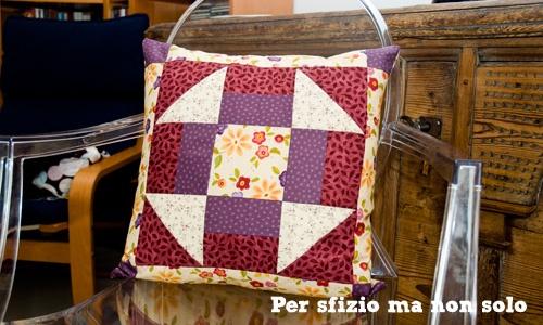 Per sfizio ma non solo: Cucito creativo - cuscino patchwork - nine patch blocks - churn dash pattern - DIY - quilted pillow pattern and tutorial