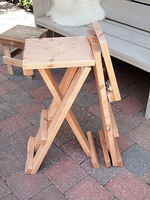 Houten inklapbare barkruk ## prachtige Douglashouten krukken houten kruk hoge kruk barkrukken barkruk hout evenement presentatie beurs statafel hoge tafel inklapbaar demonteerbaar