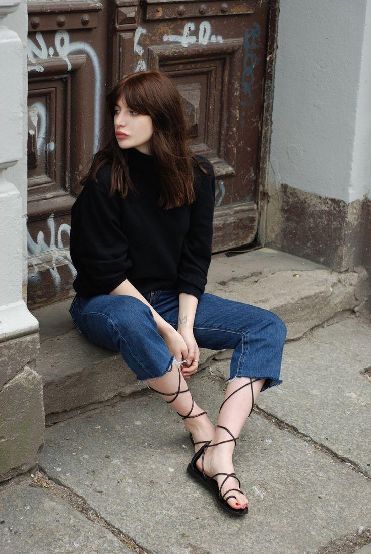 H / Laura Matuszczyk: LACE UP SANDALS