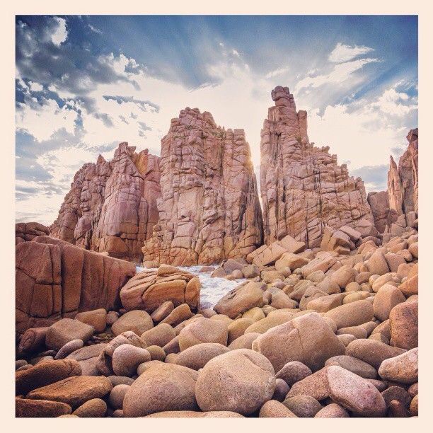 Pinnacles Phillip Island, Victoria #Australia    by jasonbak (instagram)