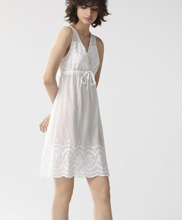 Camicia da notte ricamo classico - null - Tendenze moda donna SS 2017 su Oysho on-line : biancheria intima, lingerie, abbigliamento sportivo, scarpe, accessori e costumi da bagno.
