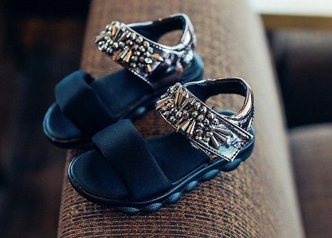 2016 новые летние девушки сандалии платформы для детей шпилька сандалии детские пляжные сандалии дети черные сандалии детская обувь rinestone обуви