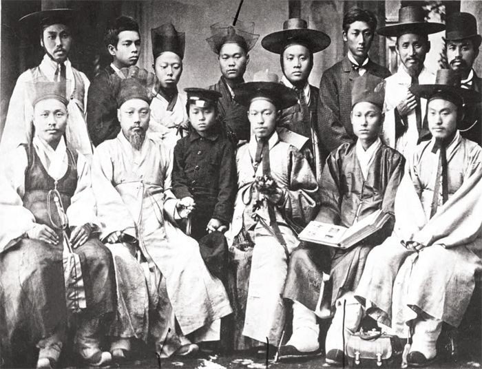 A Group of Yangban Gentry