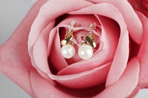 Kolczyki z kolekcji Powiedz TAK... Wkrótce dostępne na stronie www.bydziubeka.pl #bydziubeka #jewelry #sayyes #earrings #wedding