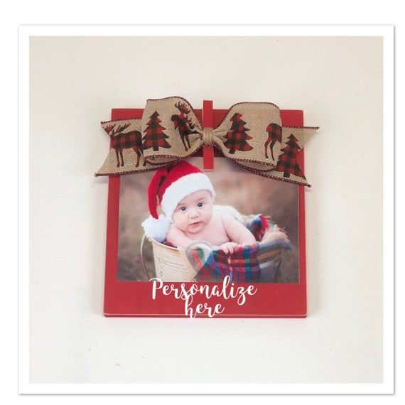 2020 4x6 Christmas Frame This adorable Christmas clip frame is shown in red with a moose