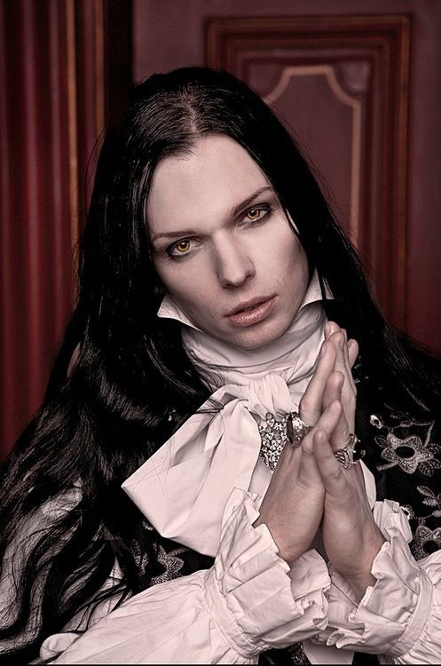 Important Story Character, Master Vampire, 800 to 1,200 years old, and human birth name known only to him