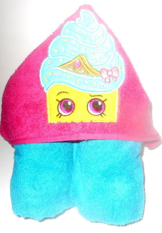 Shopkins Cupcake Queen Hooded Towel