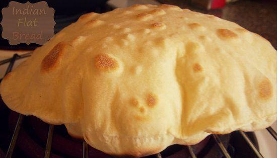 Chapati est un pain indien quotidien sans levain appelé aussi roti. Un painà base de farine spéci...