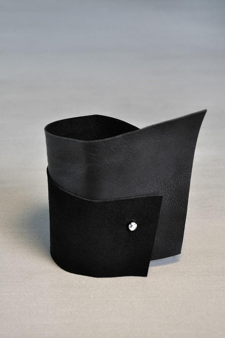 AumorFia | SOFT | leather cuff