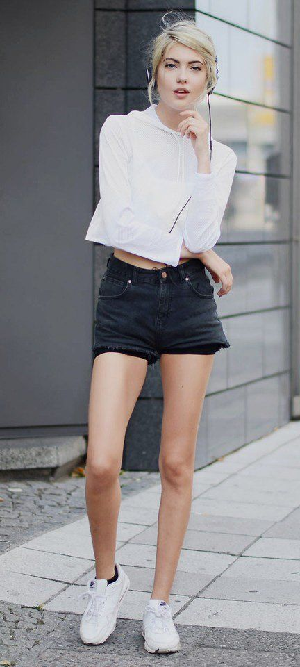 Sporty outfit idea   Denim shorts with cropped sweatshirt