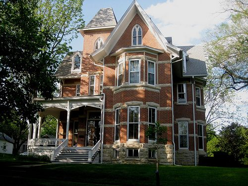 130 best brick victorian homes images on pinterest for Brick victorian house