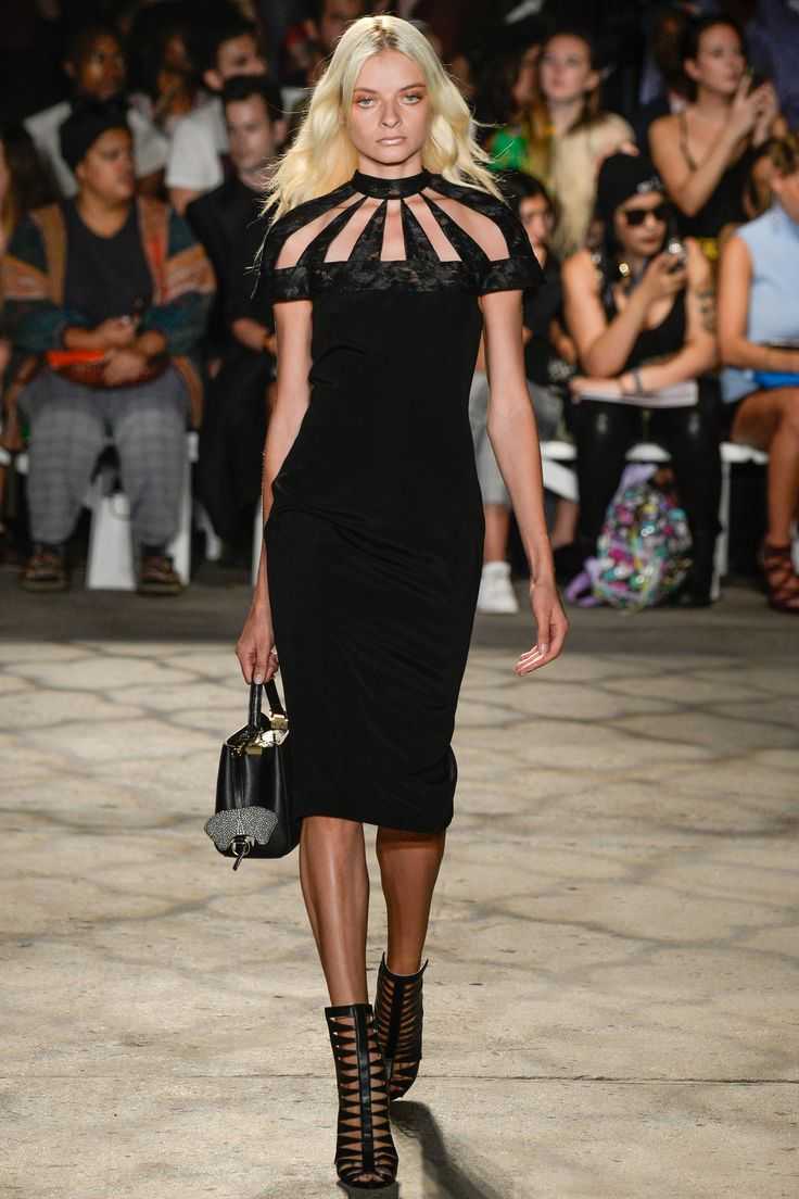 http://www.vogue.com/fashion-shows/spring-2016-ready-to-wear/christian-siriano/slideshow/collection