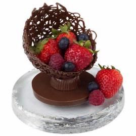 Filigree Fruit Cup. Add a continental touch to your dessert table with a candy filigree creation brimming with fresh fruit. Filigree shell is made with Mini Ball Pan and base with made with Peanut Butter Cups Mold and Circle Cookie Cutter. All formed with Light Cocoa Candy Melts™. Fill with the freshest fruit of the season.: Cake, Idea, Chocolate Bowls, Filigree Fruit, Fruit Cups, Chocolates Bowls, Candy Filigree, Peanut Butter Cups, Desserts Tables