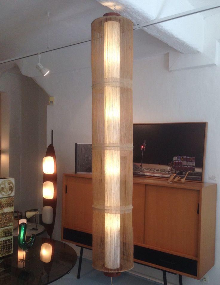 Suspension scandinave  Restauration et abat-jour colonne en rhodoïd par Averse de Lumière pour Galerie 5.6.7 - Avignon
