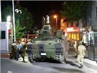 Taís Paranhos: Turquia: militares anunciam lei marcial e toque de...