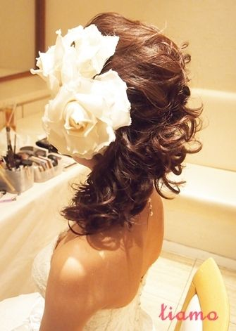 大人スタイリッシュなサイドアップがお似合いの花嫁さま♡ の画像 大人可愛いブライダルヘアメイク『tiamo』の結婚カタログ