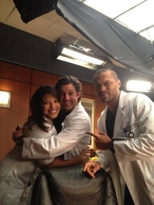 Grey's Anatomy Stars Patrick Dempsey, Jesse Williams & Sara Ramirez Share a Group Hug (PHOTO) - Grey's Anatomy