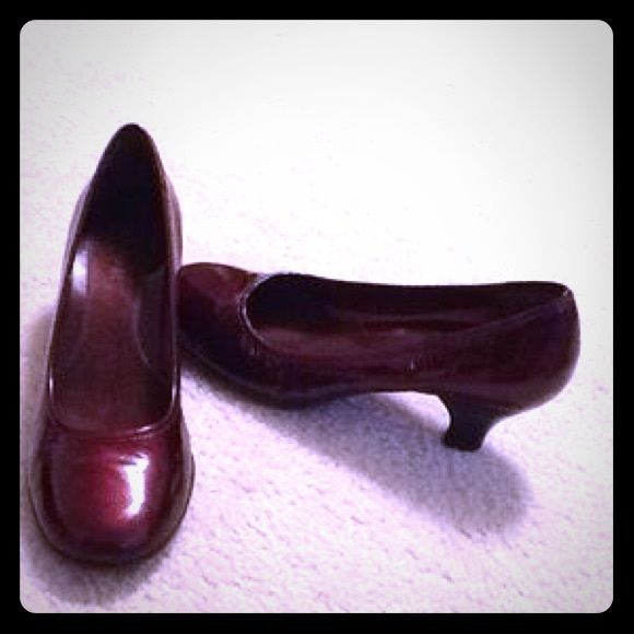 AEROSOLES Dark Red Patent Pumps Dark red/wine patent pumps. In great condition. Only worn once. AEROSOLES Shoes Heels
