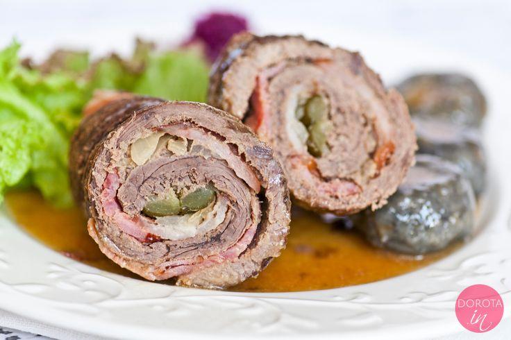 Rolada śląska z wołowiny, boczku i kiszonego ogórka, z dodatkiem czarnych klusek śląskich. Śląski #obiad :)  http://DOROTA.iN/rolada-slaska/  #przepis #food #kuchnia