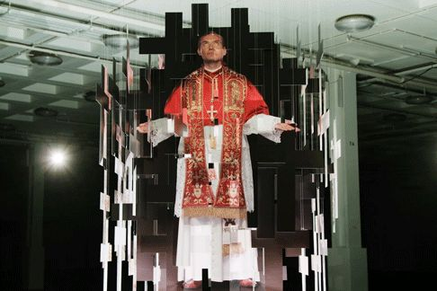 "Michael Murphy ""The Young Pope"" Awesome Installation – Fubiz Media"