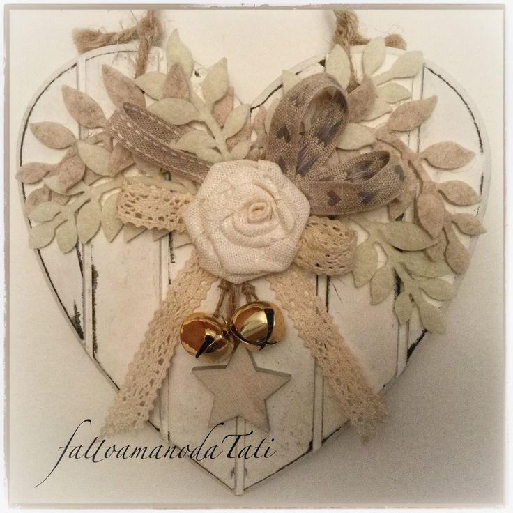 Cuore piccolo di legno shabby chic con rosa e stella, by fattoamanodaTati, 23,00 € su misshobby.com