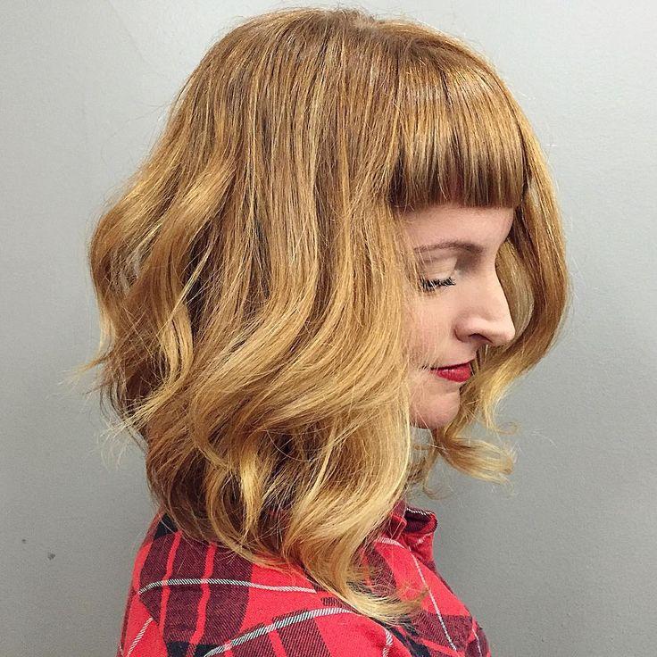 Ligth Bronze Mid Length Voluminous Hair