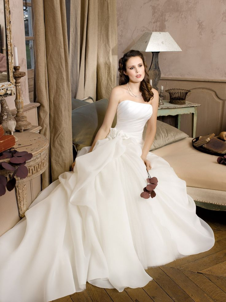 Trending Cheap a line wedding dress Buy Quality vintage wedding dress directly from China wedding dress Suppliers New Organza Strapless Beading Pleat Listing