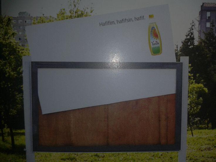 Yudum yağı için yapılan yaratıcı billboard çalışması. 'Hafifim, hafifsin, hafif.'