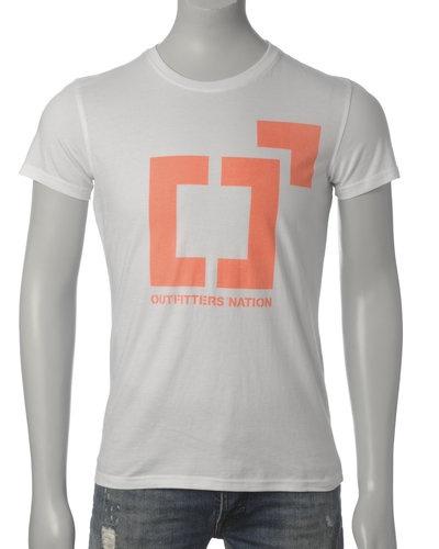 Outfitters Nation T-skjorte (White/Orange) - Smartguy.no - $60nok: National Tskjort,  T-Shirt, Tskjort Whiteorang
