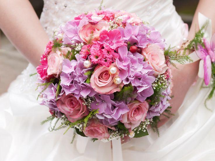 Walter Van Gastel -  Trouwdecoratie, bruidsboeket, rozen, hortensia